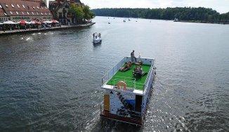 Opis Houseboat